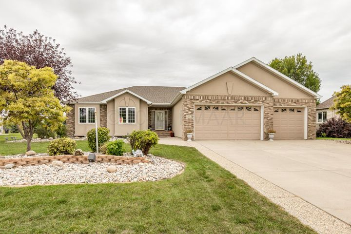 4221 TIMBERLINE Drive S, Fargo, ND 58104