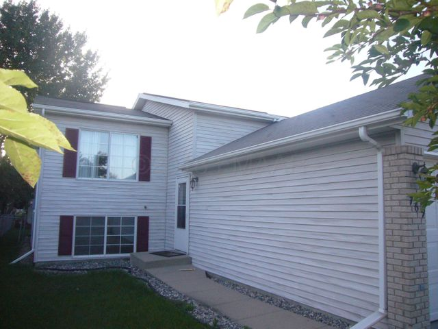 769 48TH Street S, Fargo, ND 58103