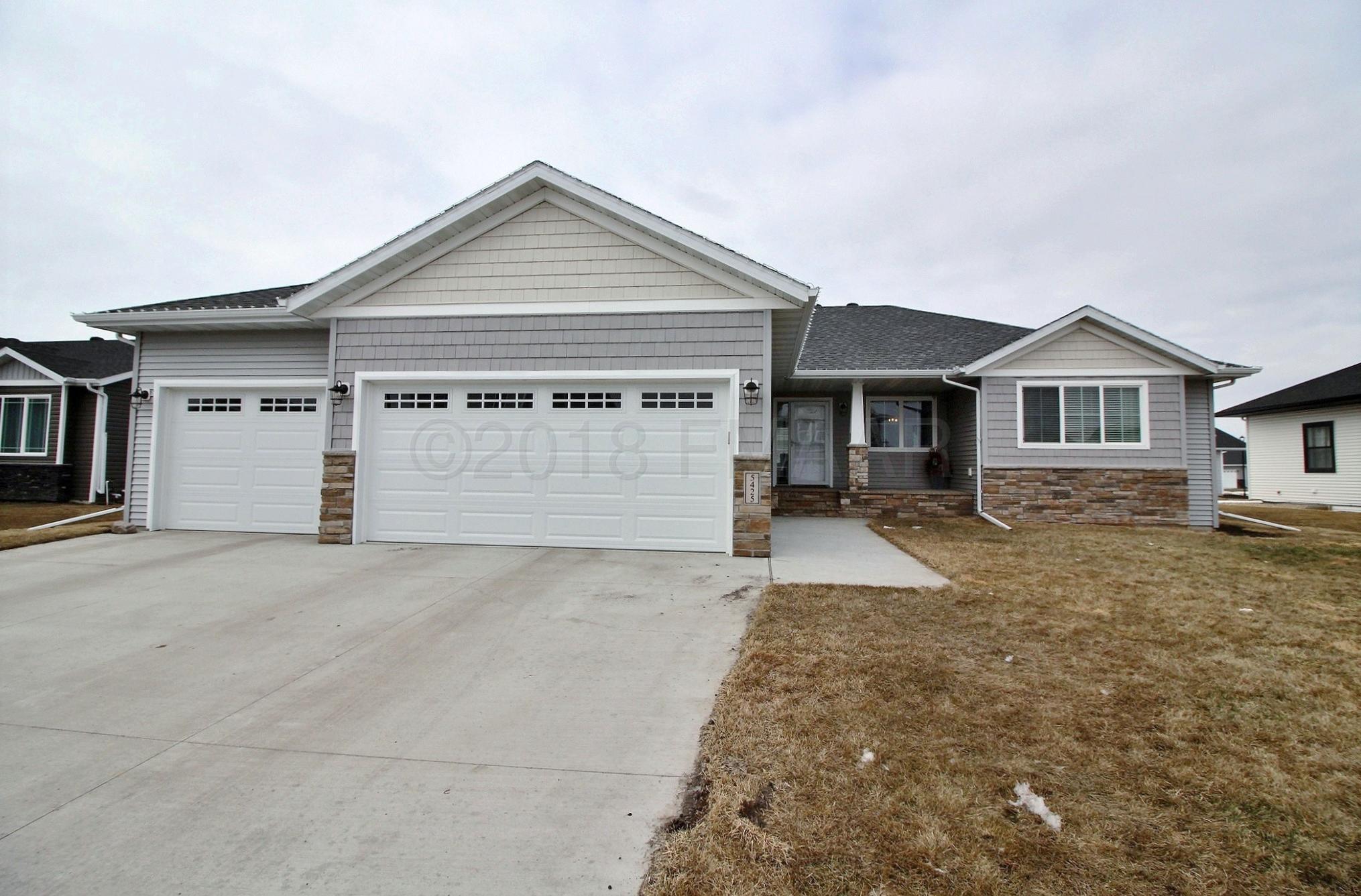 5425 TYLER Avenue S, Fargo, ND 58104