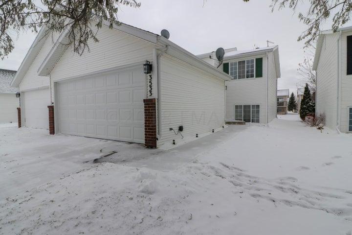 3533 31 Street S, Fargo, ND 58104