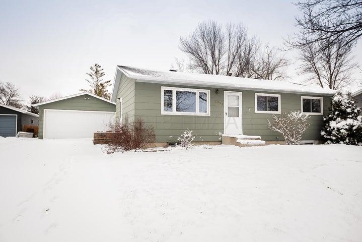 3001 11 Avenue N, Fargo, ND 58102