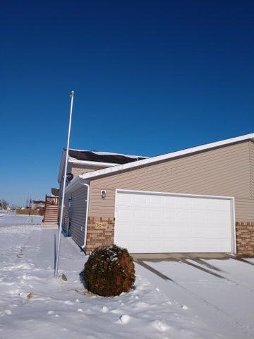 5299 50 Avenue S, Fargo, ND 58104