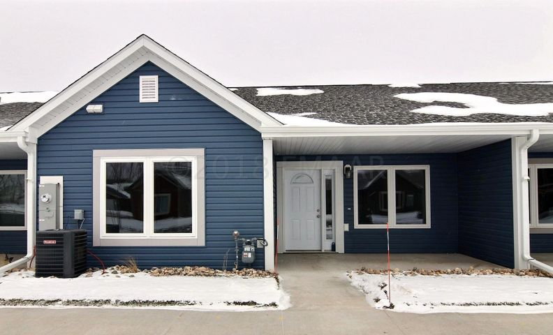 3321B 6 Way E, West Fargo, ND 58078