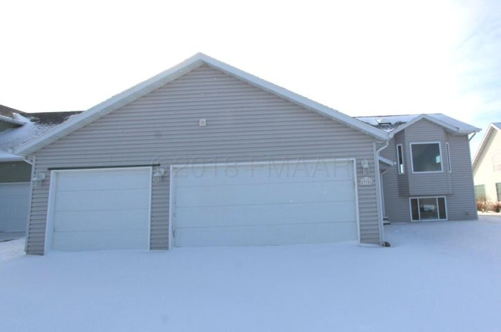 339 19 Avenue W, West Fargo, ND 58078