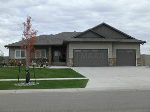 968 51ST Avenue W, West Fargo, ND 58078