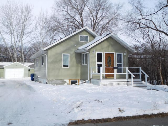 1512 4TH Avenue S, Moorhead, MN 56560