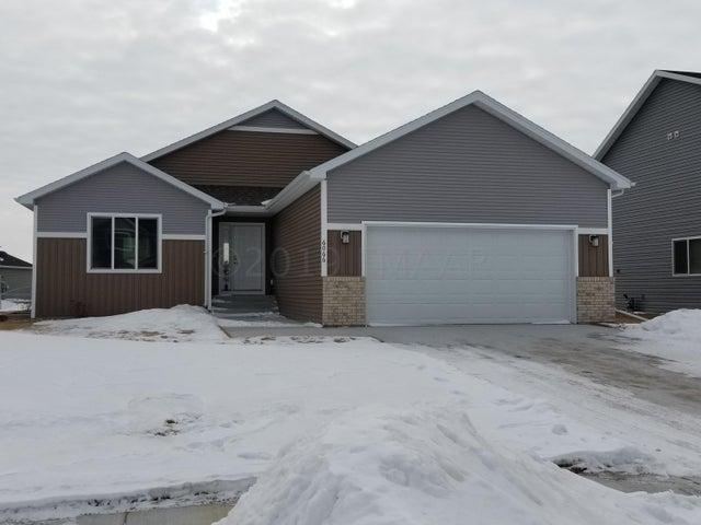 6066 AUTUMN Drive S, Fargo, ND 58104