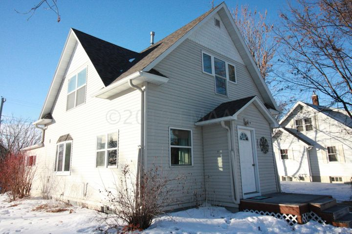 203 9TH Street N, Breckenridge, MN 56520