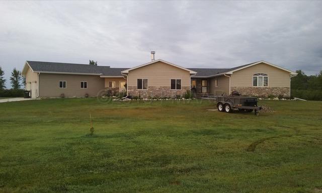 6009 COUNTY RD 3, Walcott, ND 58077