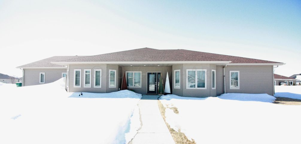 1961 WALNUT Court, Wahpeton, ND 58075