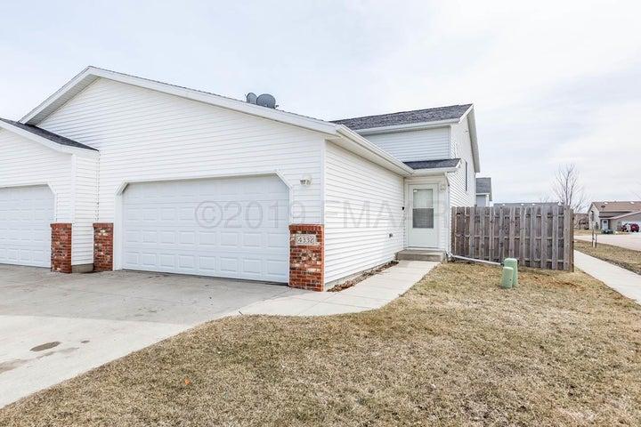 4332 39 Avenue S, Fargo, ND 58104