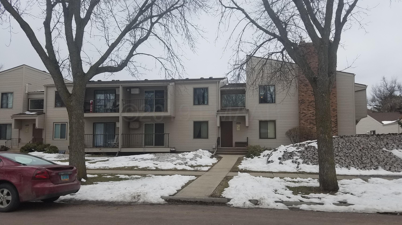 1406 5TH Street N, Fargo, ND 58102