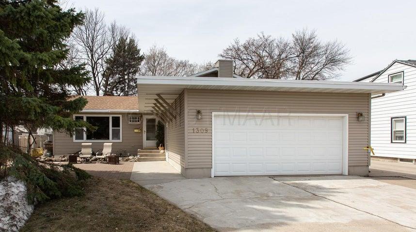 1309 17 Street S, Fargo, ND 58103