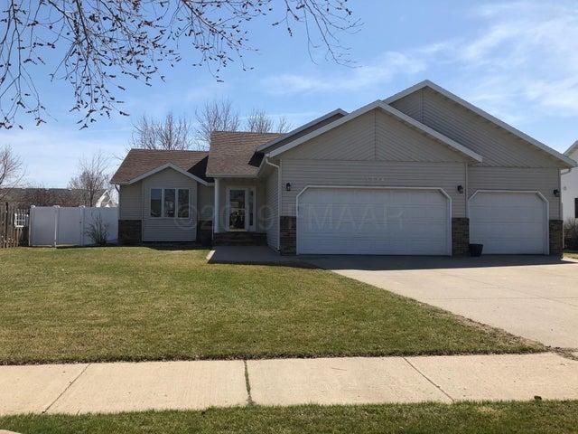 3224 35 1/2 Court S, Fargo, ND 58104
