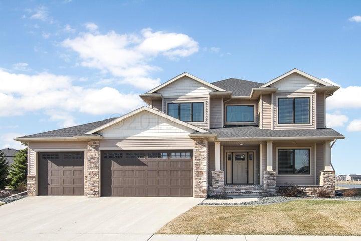 324 36 Avenue E, West Fargo, ND 58078