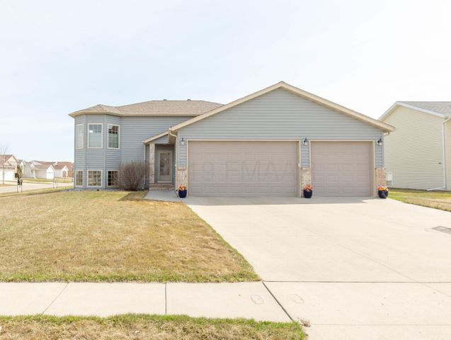 4401 11 Street W, West Fargo, ND 58078