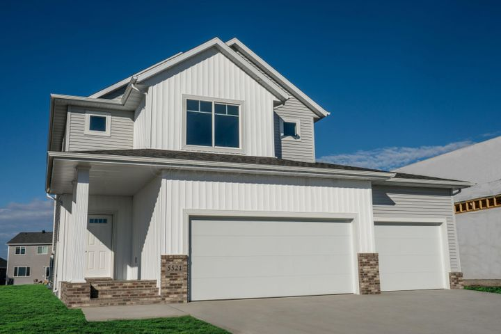 5521 8TH Street W, West Fargo, ND 58078