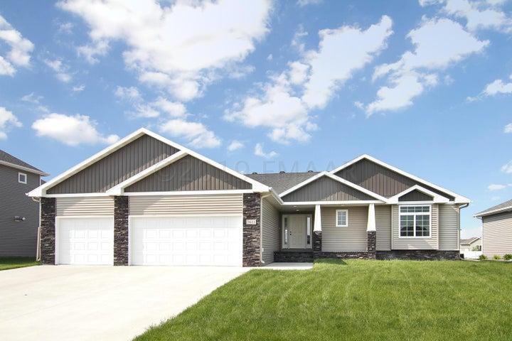 3611 BELL Boulevard E, West Fargo, ND 58078