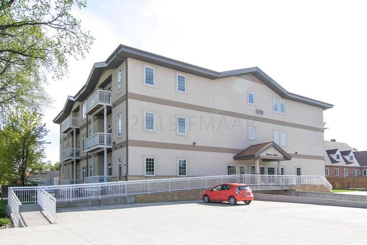 203 6TH Street S, Moorhead, MN 56560