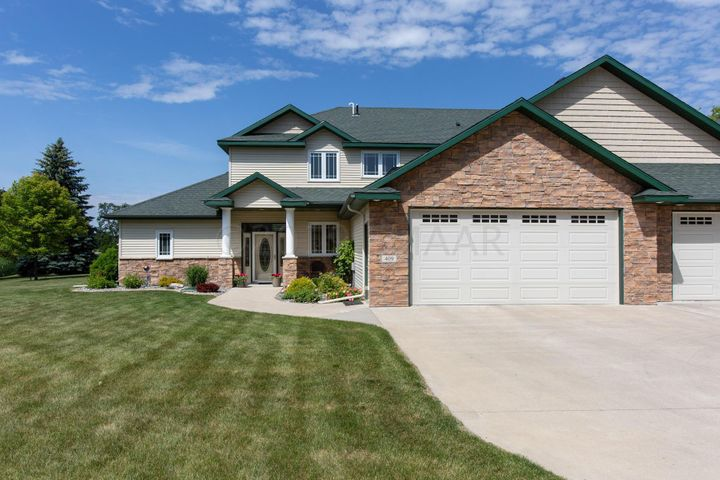 409 CADDY Avenue N, Moorhead, MN 56560