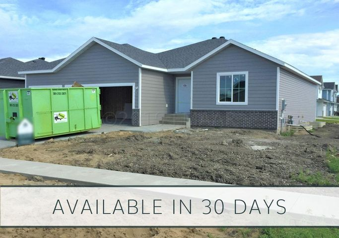 1104 28 Avenue W, West Fargo, ND 58078