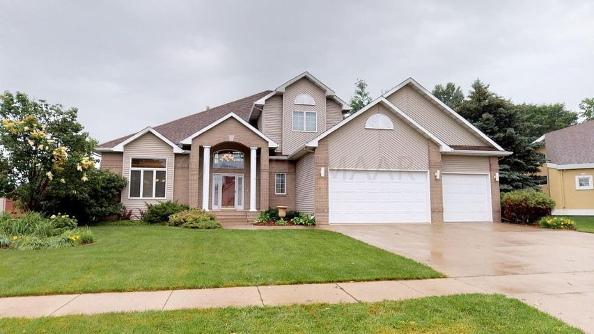 4850 ROSE CREEK Creek S, Fargo, ND 58104