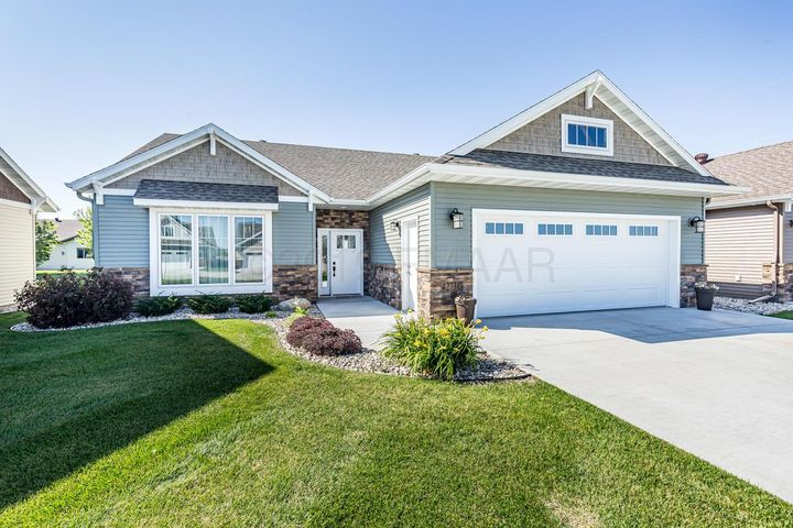 4273 COVENTRY Drive S, Fargo, ND 58104