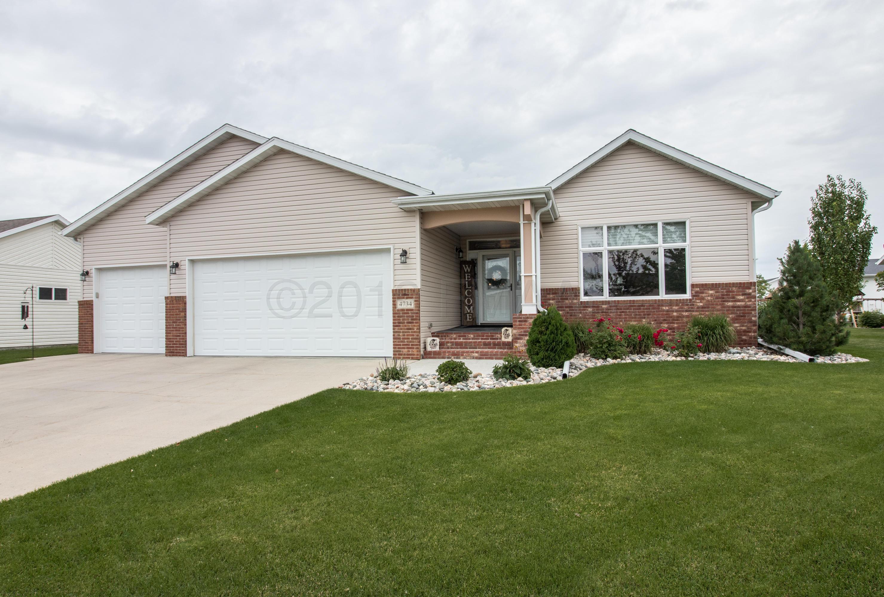 4734 ARBOR Court S, Fargo, ND 58104