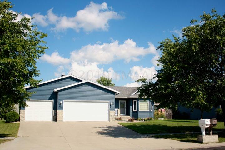 3548 TAYLOR Street S, Fargo, ND 58104