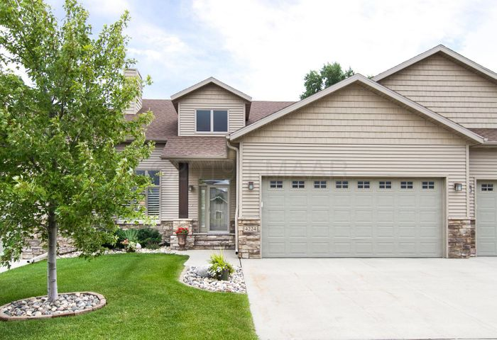 4224 COVENTRY Drive S, Fargo, ND 58104