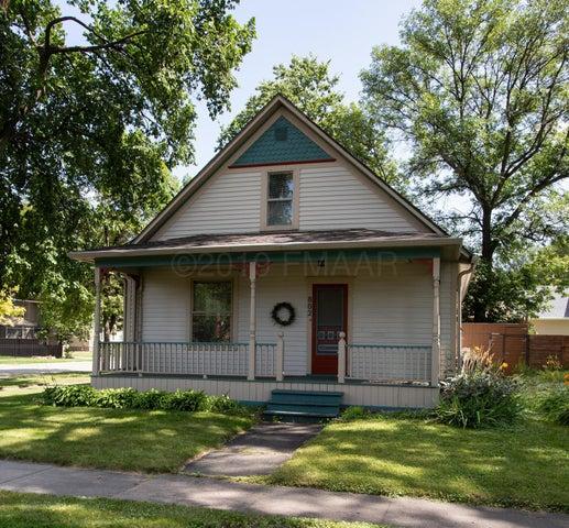 802 9TH Street S, Fargo, ND 58103