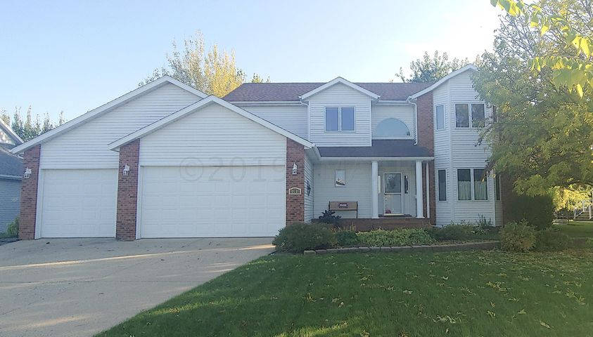 910 43RD Avenue N, Fargo, ND 58102