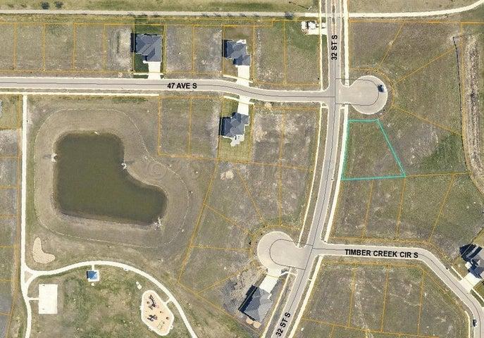 4716 32 Street S, Fargo, ND 58104