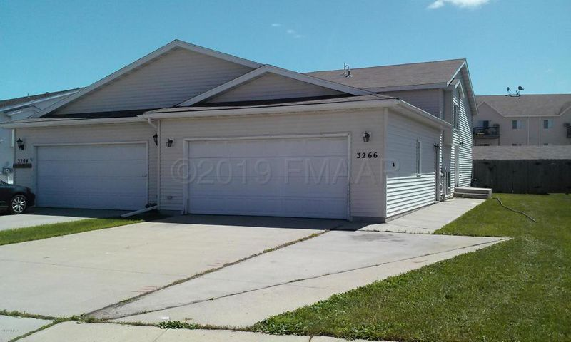 3266 35 Avenue S, Fargo, ND 58104