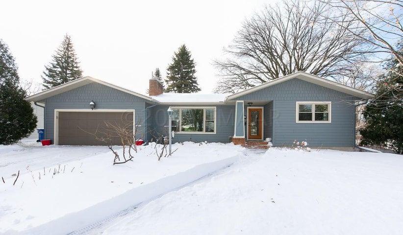 814 19 Avenue S, Fargo, ND 58103