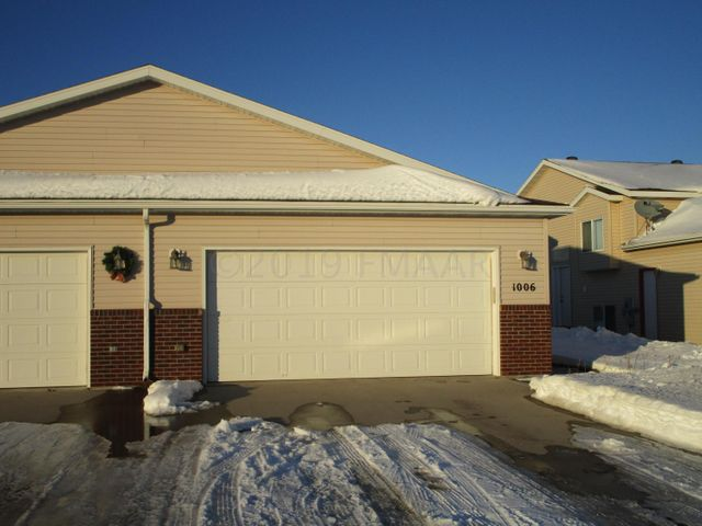 1006 36TH Avenue S, Moorhead, MN 56560
