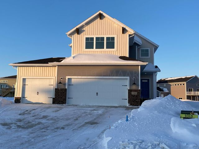 748 CATHY Drive W, West Fargo, ND 58078