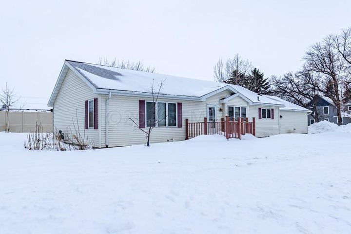 51 4TH Avenue N, Casselton, ND 58012