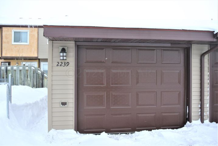 2239 32 Avenue S, Fargo, ND 58103