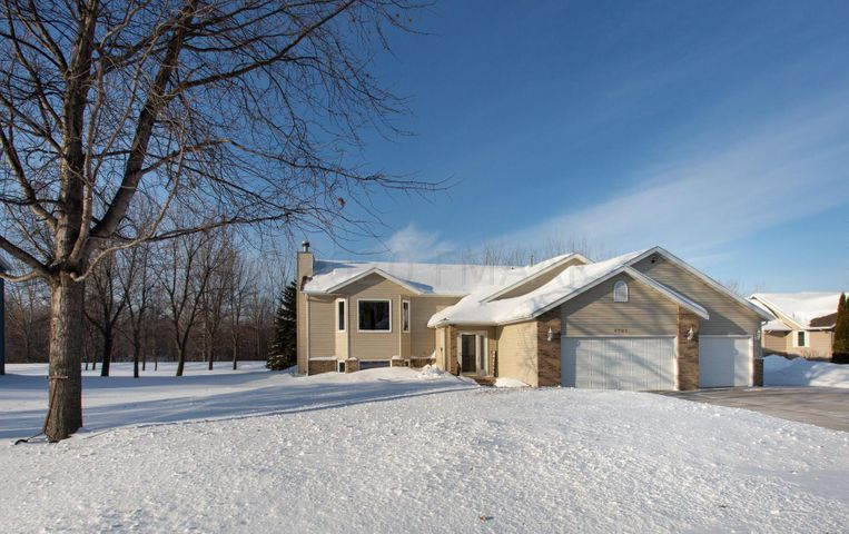 4721 CRYSTAL CREEK Drive, Moorhead, MN 56560