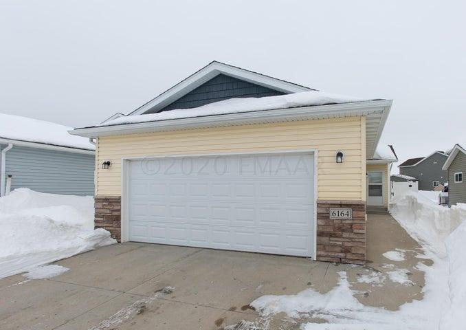 6164 35 Street S, Fargo, ND 58104