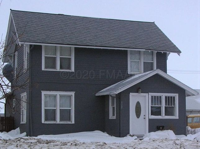 117 SOUTH 7TH Street, Oakes, ND 58474