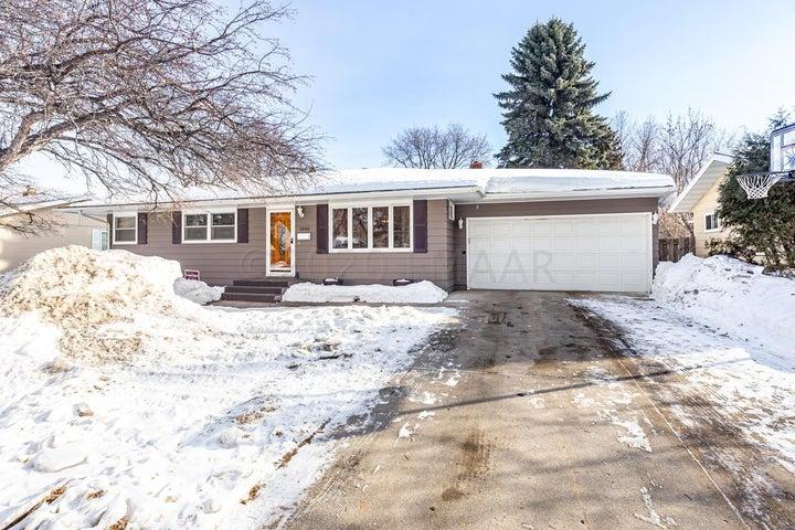 1846 17 Street S, Fargo, ND 58103
