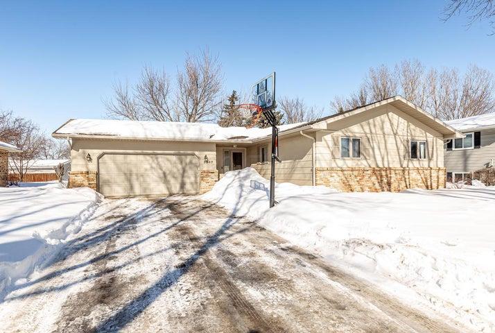 2867 WESTGATE Drive S, Fargo, ND 58103