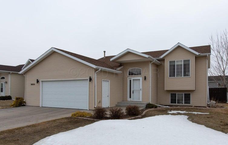 1653 10 Street W, West Fargo, ND 58078