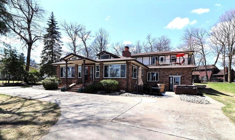 1088 WEST LAKE Drive, Detroit Lakes, MN 56501