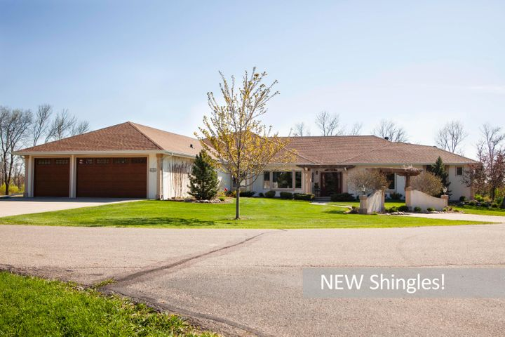4501 S River Estates Way welcomes you!