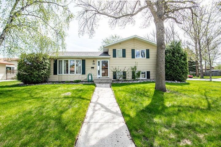 3501 PAR Street N, Fargo, ND 58102