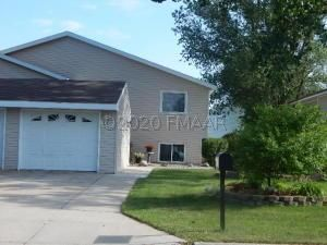 719 18TH Avenue N, Wahpeton, ND 58075