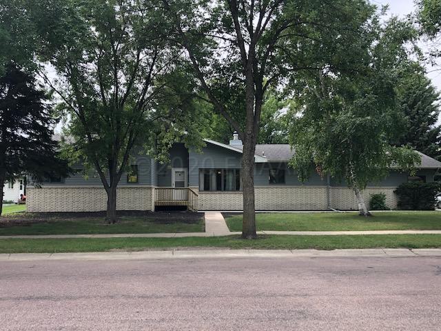 2320 22 Street S, Fargo, ND 58103